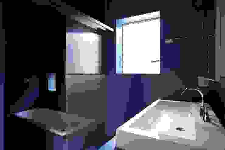 Elephant House オリジナルスタイルの お風呂 の Hiromu Nakanishi Architects オリジナル