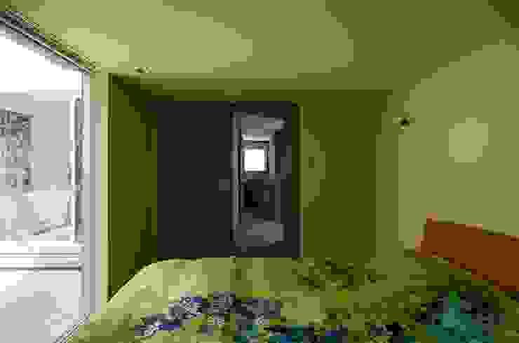 Elephant House オリジナルスタイルの 寝室 の Hiromu Nakanishi Architects オリジナル