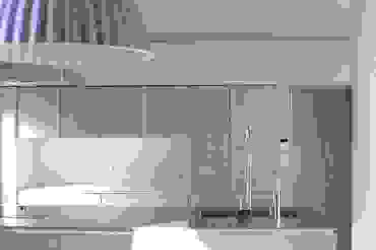 Elephant House オリジナルデザインの キッチン の Hiromu Nakanishi Architects オリジナル