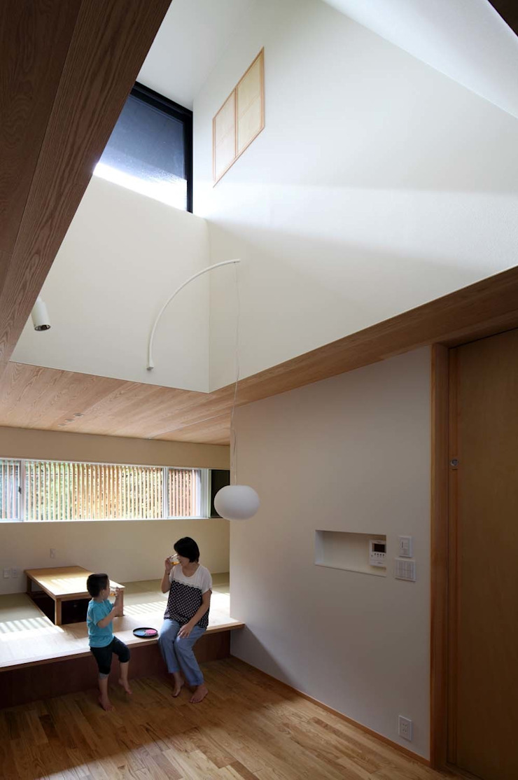 House just in front 和風デザインの ダイニング の Hiromu Nakanishi Architects 和風