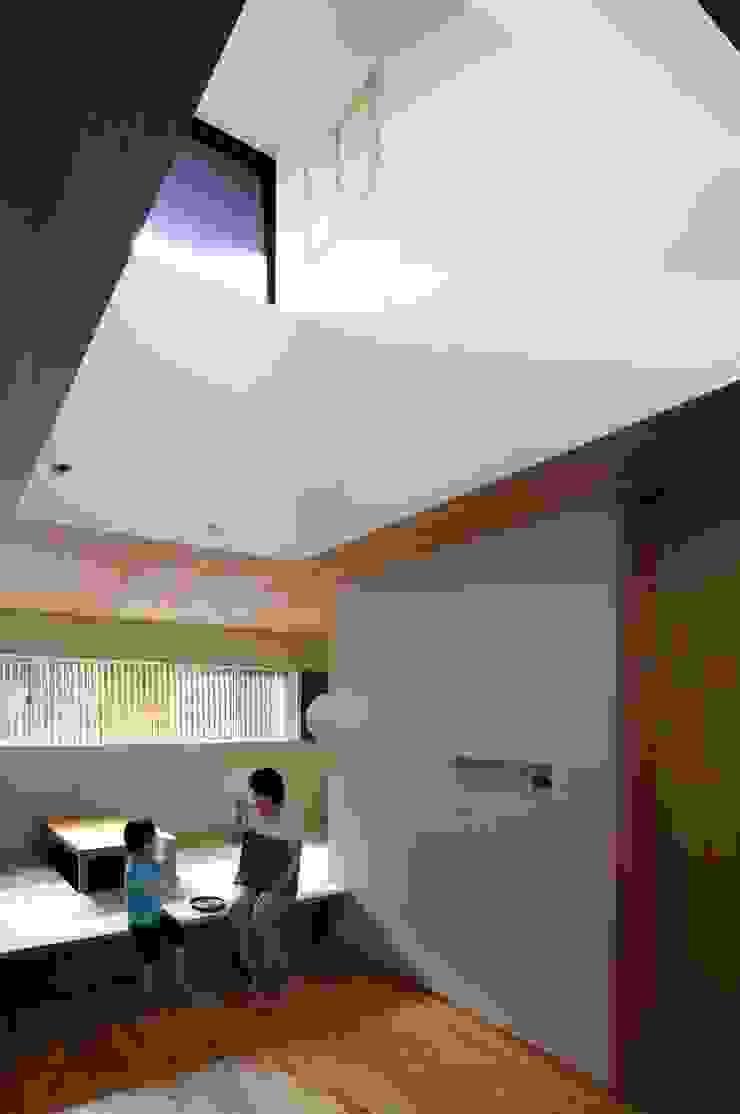 Comedores de estilo asiático de Hiromu Nakanishi Architects Asiático