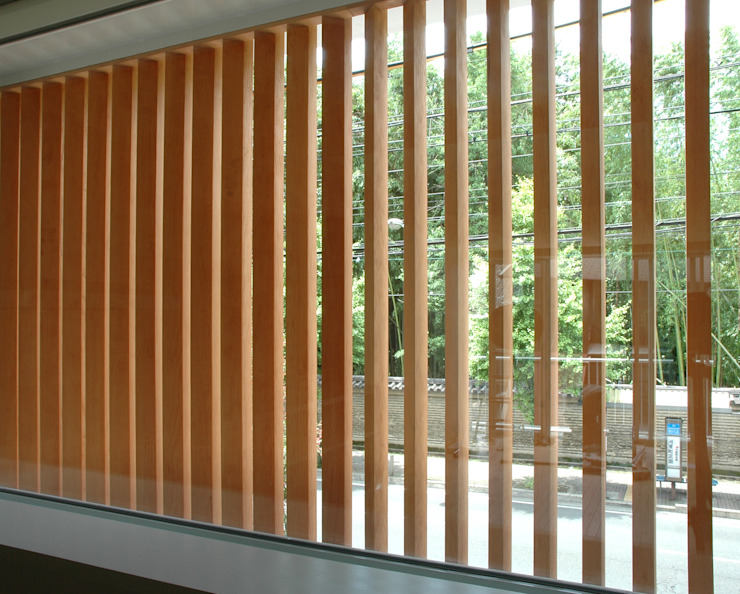 Puertas y ventanas asiáticas de Hiromu Nakanishi Architects Asiático