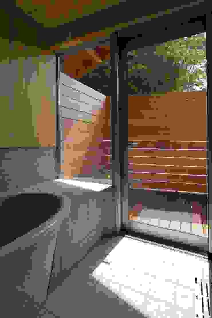 浴室 モダンスタイルの お風呂 の ATS造家設計事務所 モダン