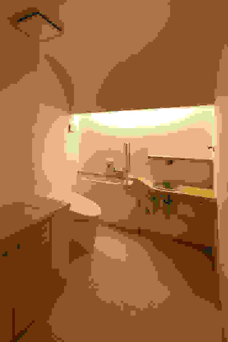 トイレ モダンスタイルの お風呂 の ATS造家設計事務所 モダン