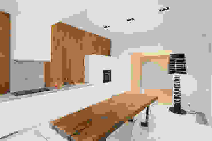 Monoloko design Cocinas de estilo minimalista