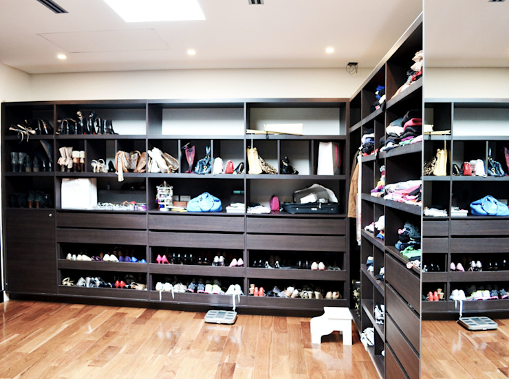 Estudio Arqt Classic style dressing rooms