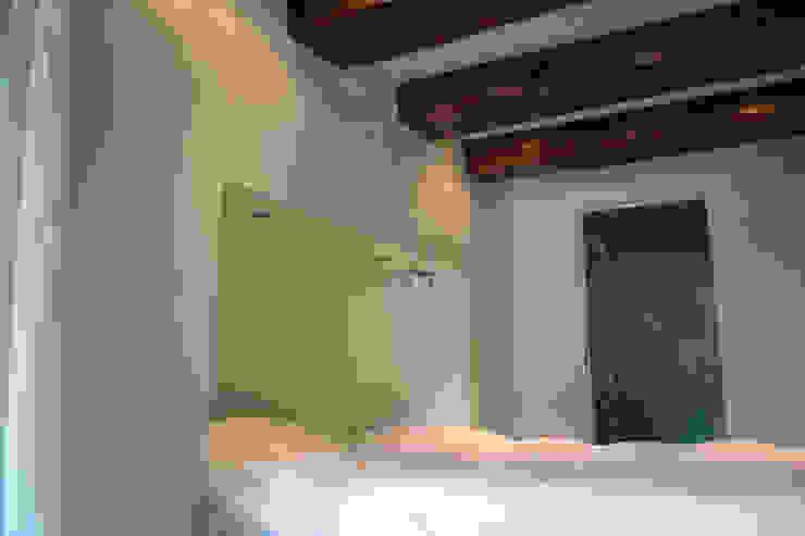 Loft Amsterdam Minimalistische slaapkamers van De Ontwerpdivisie Minimalistisch