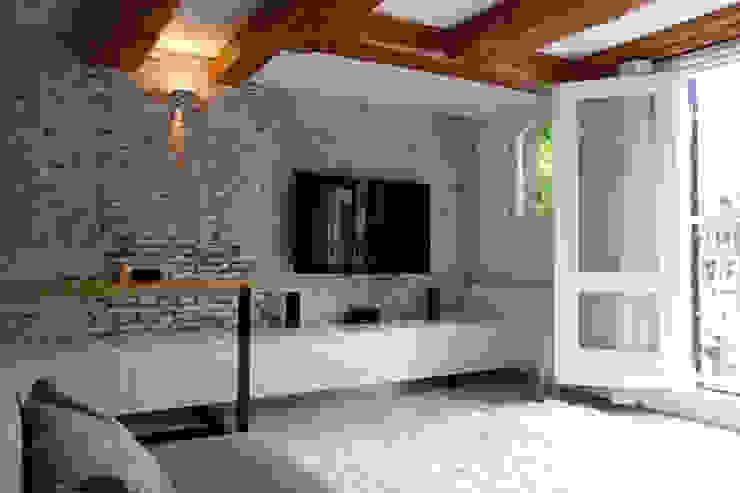 Salones de estilo minimalista de De Ontwerpdivisie Minimalista