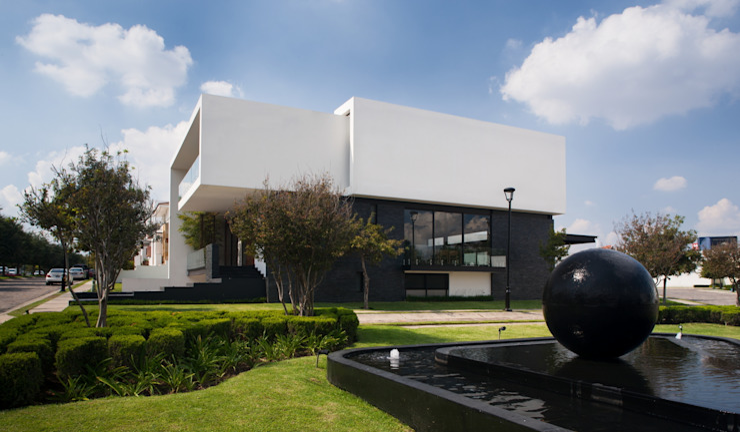 Moderne huizen van GLR Arquitectos Modern