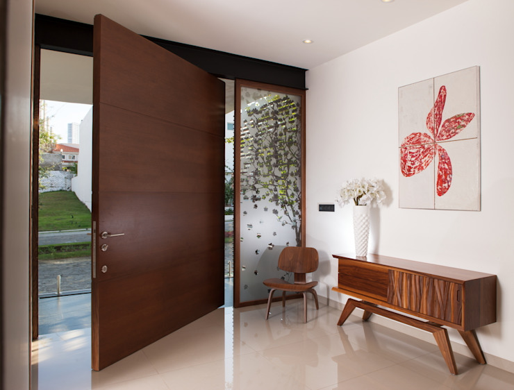 GLR Arquitectos Modern windows & doors