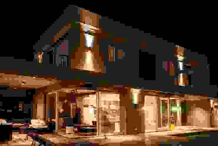 Modern houses by FAARQ - Facundo Arana Arquitecto & asoc. Modern