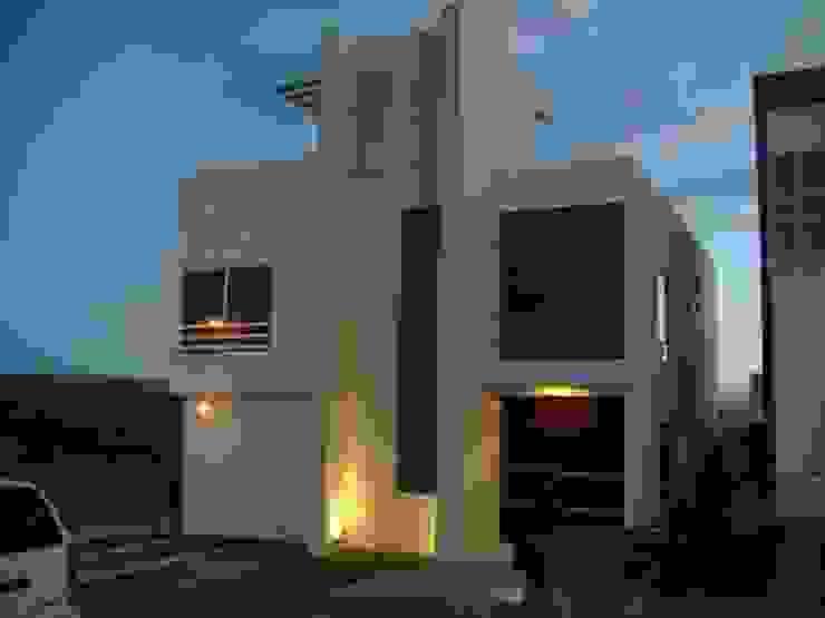 Fachada casa Minimalista Casas de estilo minimalista de homify Minimalista