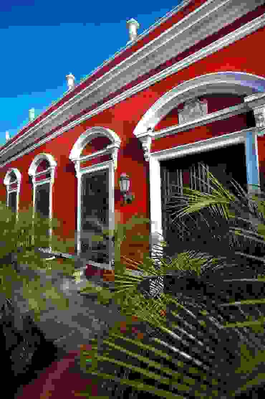 Fachada Hoteles de estilo colonial de Taller Estilo Arquitectura Colonial