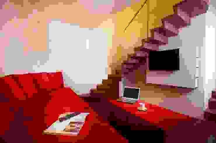 Sala de TV Taller Estilo Arquitectura Hoteles de estilo ecléctico