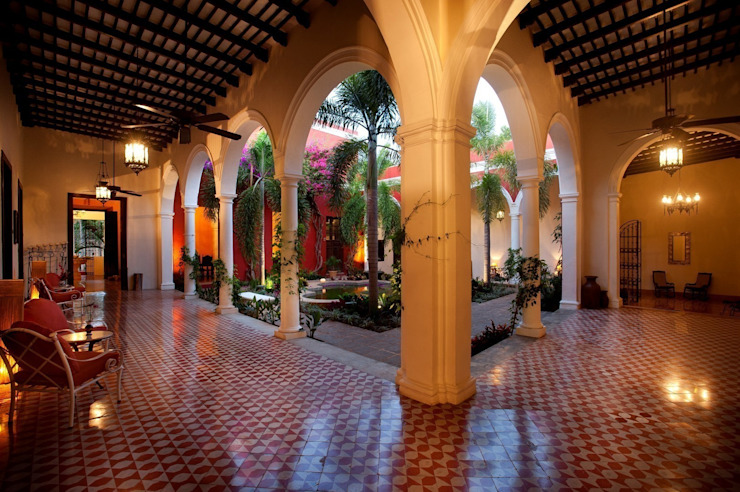 Entre pasillos de Taller Estilo Arquitectura Ecléctico
