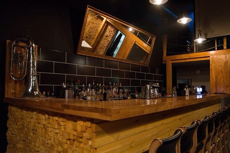 Коктейль-бар <q>IN100GRAMM</q> в г.Екатеринбурге Бары и клубы в стиле модерн от Частный дизайнер и декоратор Девятайкина Софья Модерн