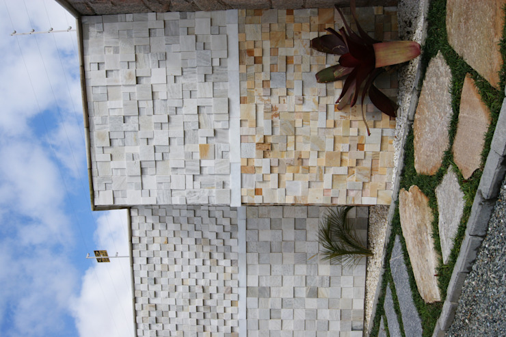 Showroom de Mosaico Decor Pedras por DECOR PEDRAS PISOS E REVESTIMENTOS Rústico