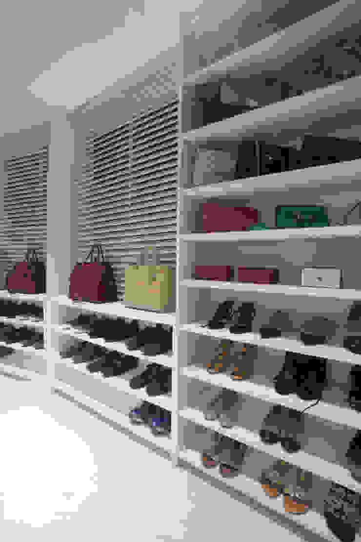 Projeto Closets por Leonardo Maia Arquitetos Minimalista