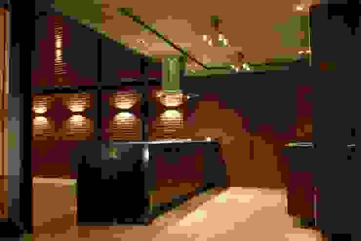 Kitchen by Taller Habitat Arquitectos