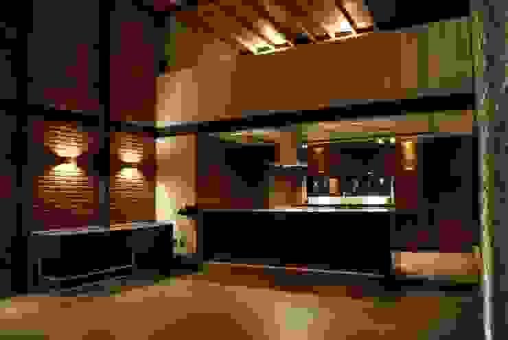 Nhà bếp phong cách hiện đại bởi Taller Habitat Arquitectos Hiện đại