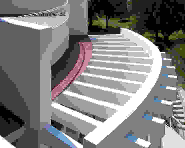 Modern terrace by Excelencia en Diseño Modern