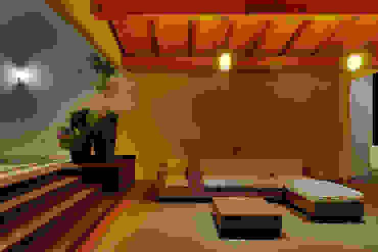 TERRAZA A EXTERIOR Balcones y terrazas modernos de Excelencia en Diseño Moderno