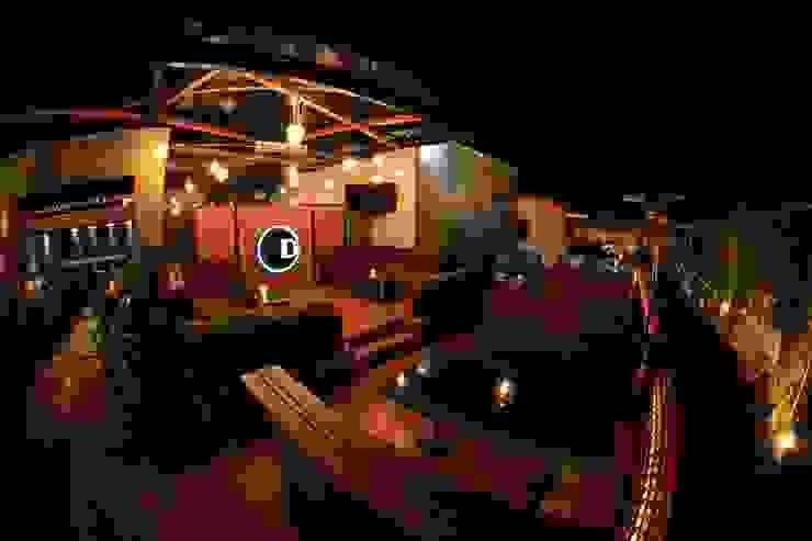 La Diez Rooftop Bares y clubs de estilo moderno de Taller Habitat Arquitectos Moderno