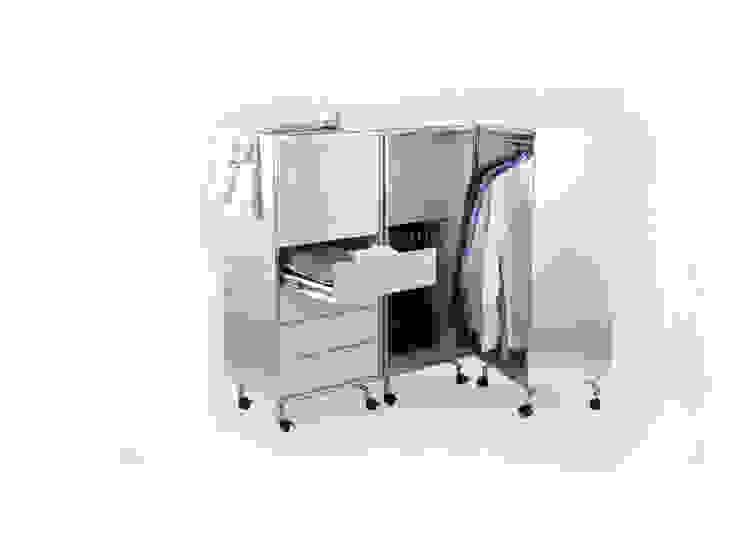 minimalist  by Studio Moritz von Helldorff, Minimalist