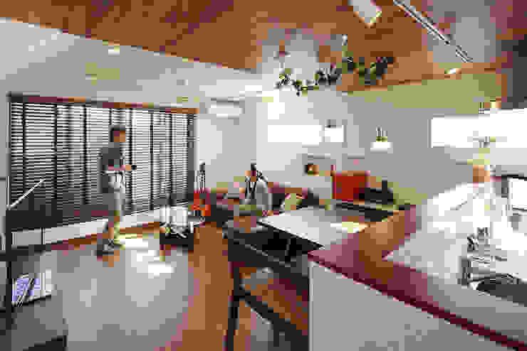 中野の家 和風デザインの リビング の 有限会社タクト設計事務所 和風
