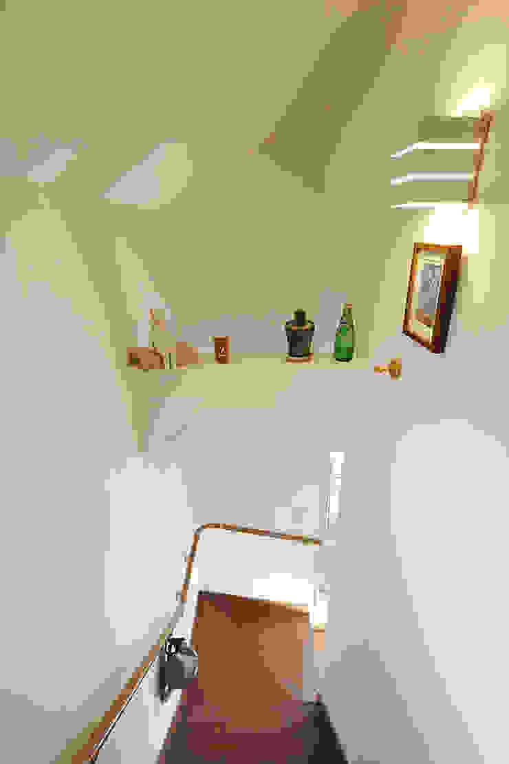 中野の家 モダンスタイルの 玄関&廊下&階段 の 有限会社タクト設計事務所 モダン