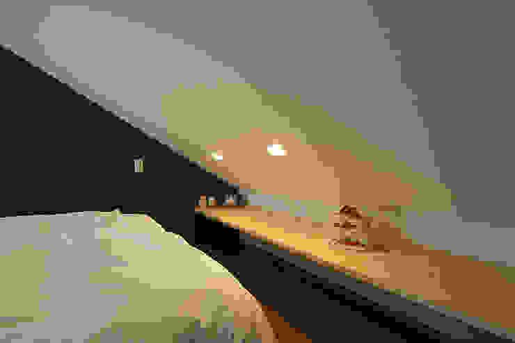 中野の家 モダンスタイルの寝室 の 有限会社タクト設計事務所 モダン