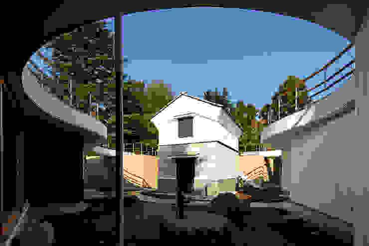 中庭 オリジナルな 家 の 清正崇建築設計スタジオ オリジナル