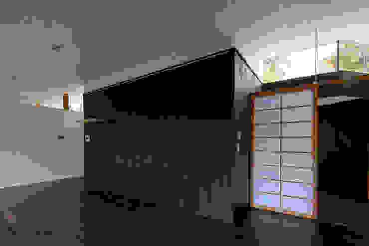 親世帯 オリジナルデザインの リビング の 清正崇建築設計スタジオ オリジナル
