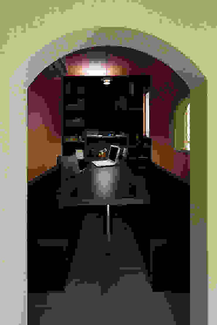 プロバンス風住宅(富津) クラシックデザインの 書斎 の 有限会社タクト設計事務所 クラシック