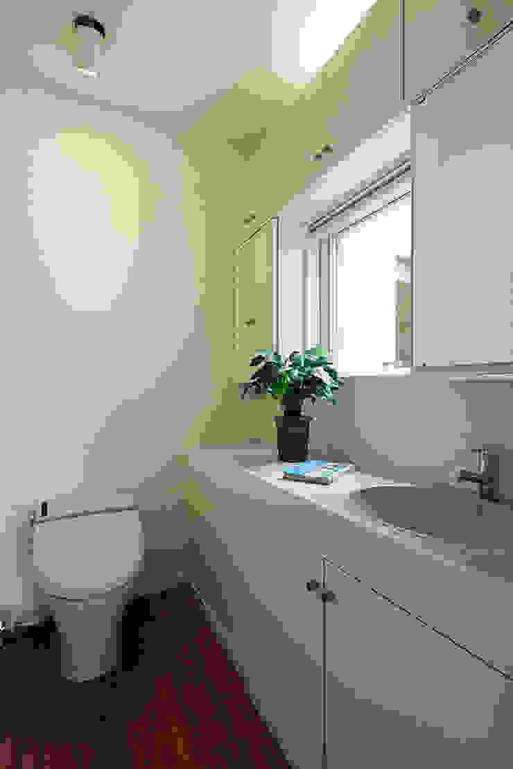プロバンス風住宅(富津) 地中海スタイルの お風呂・バスルーム の 有限会社タクト設計事務所 地中海