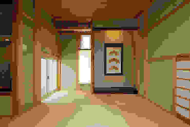 プロバンス風住宅(富津) 和風の 寝室 の 有限会社タクト設計事務所 和風