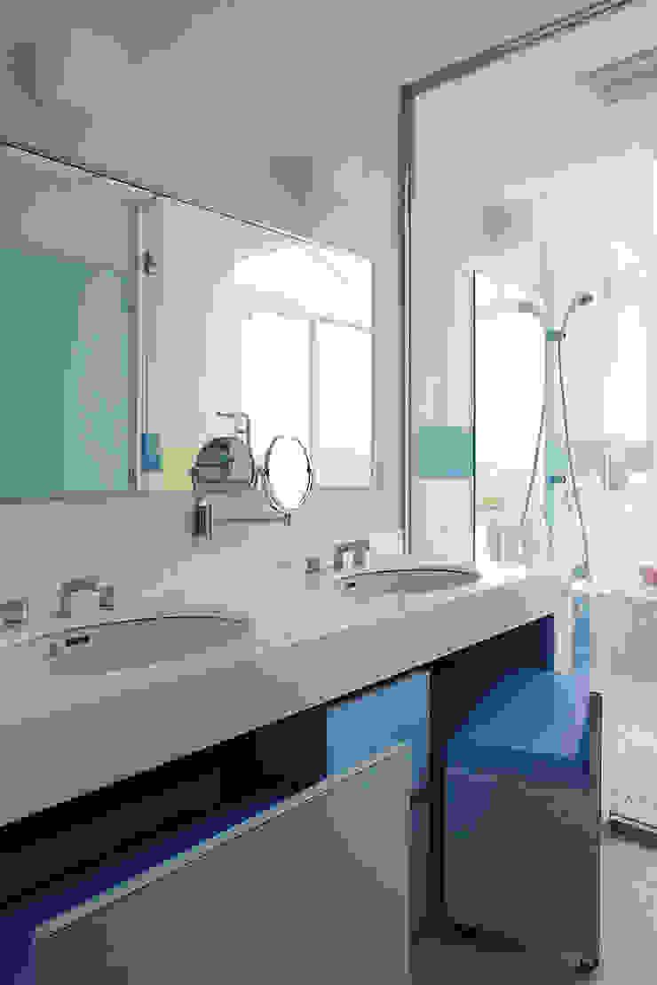 プロバンス風住宅(富津) モダンスタイルの お風呂 の 有限会社タクト設計事務所 モダン