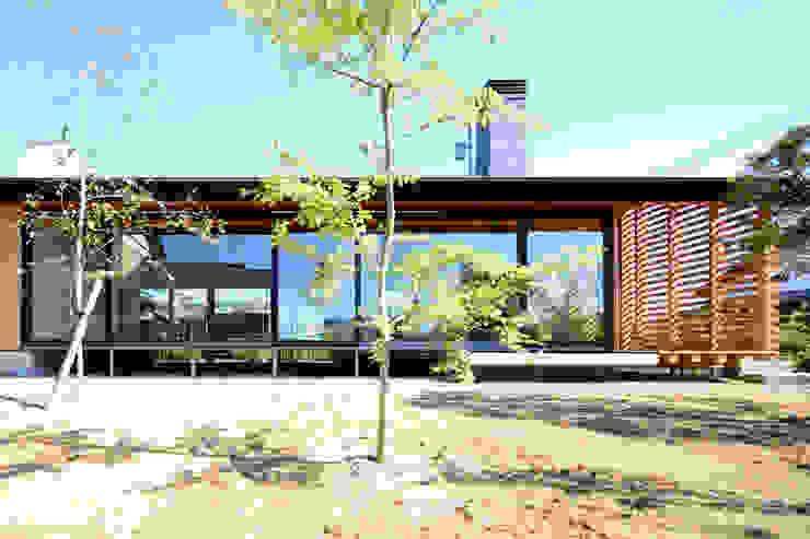 「林の中に住む。」 オリジナルな 家 の 丸山晴之建築事務所 オリジナル
