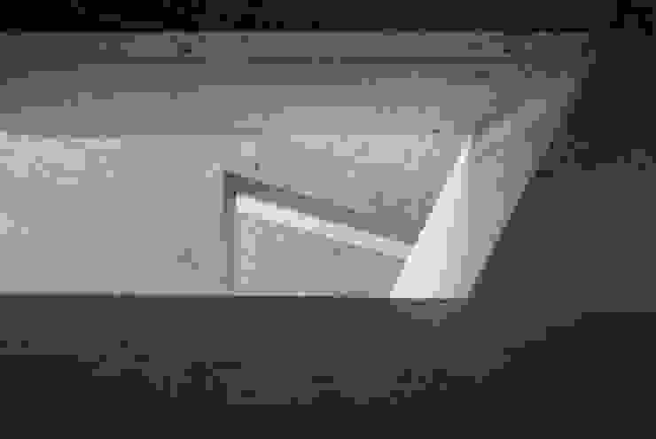 Treppenauge Moderner Flur, Diele & Treppenhaus von idA buehrer wuest architekten sia ag Modern