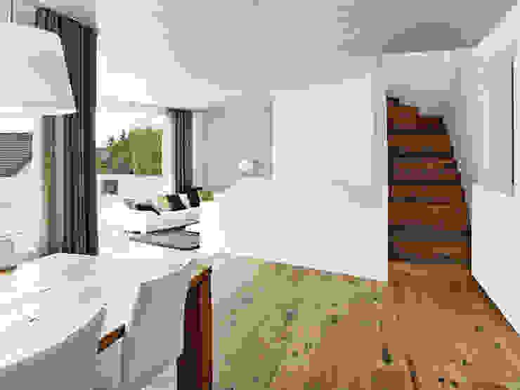 Wohnen . Essen Moderne Wohnzimmer von idA buehrer wuest architekten sia ag Modern