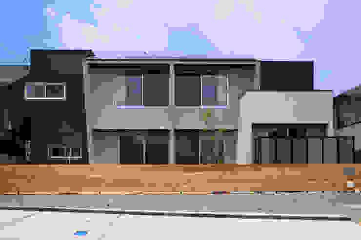 南外観 モダンな 家 の MA設計室 モダン