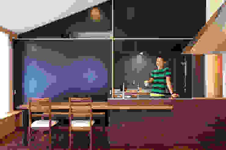 Cozinhas ecléticas por MA設計室 Eclético