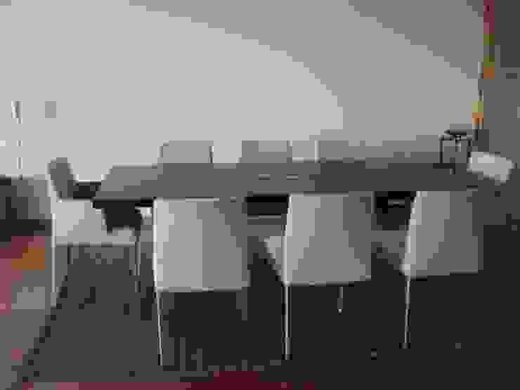 Modern dining room by GUTMAN+LEHRER ARQUITECTAS Modern