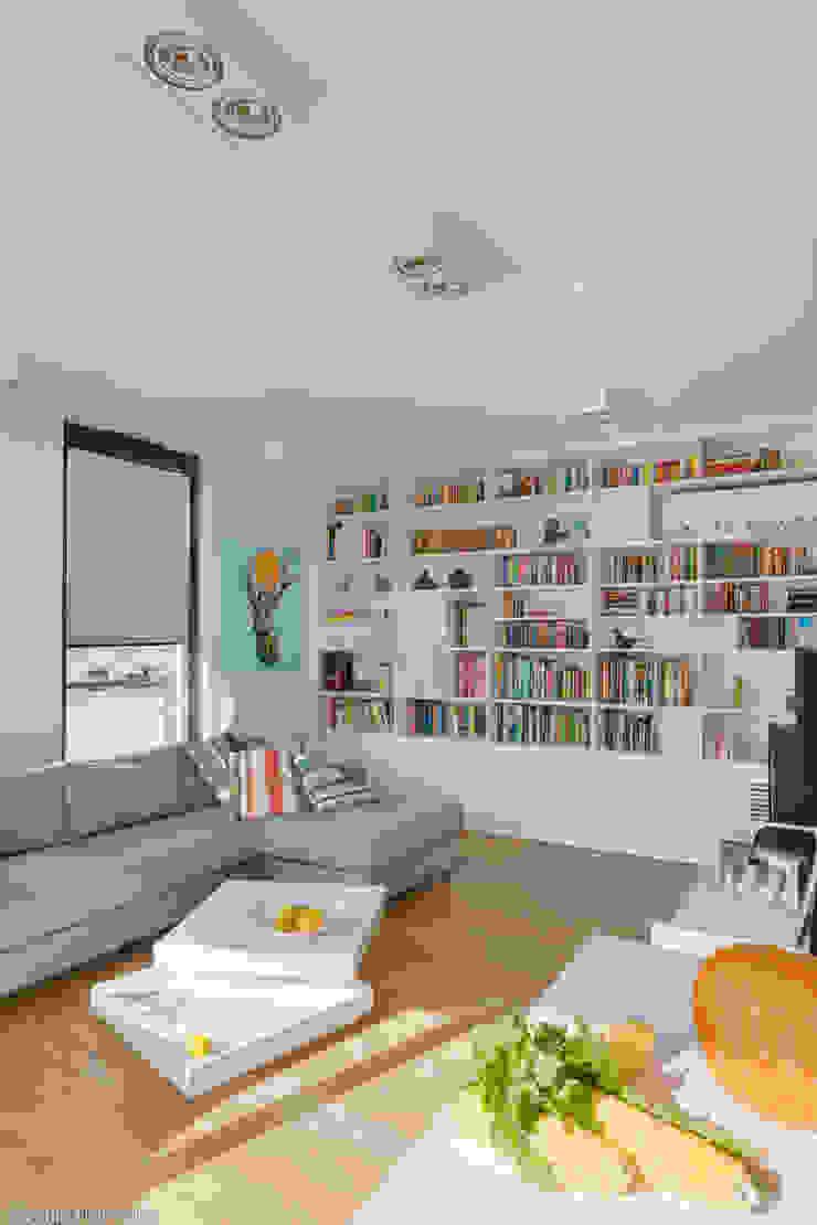 Nowoczesne, jasne mieszkanie z przeszkleniami od Le Pukka Concept Store Nowoczesny
