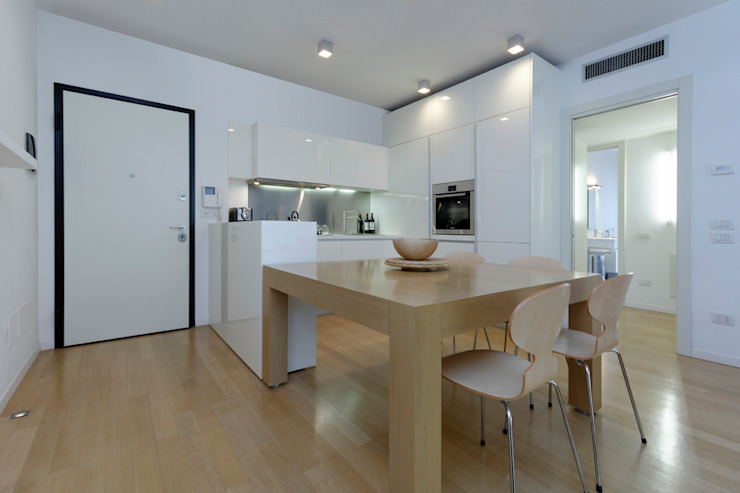 Cucina-pranzo Cucina moderna di ROBERTA DANISI ARCHITETTO Moderno
