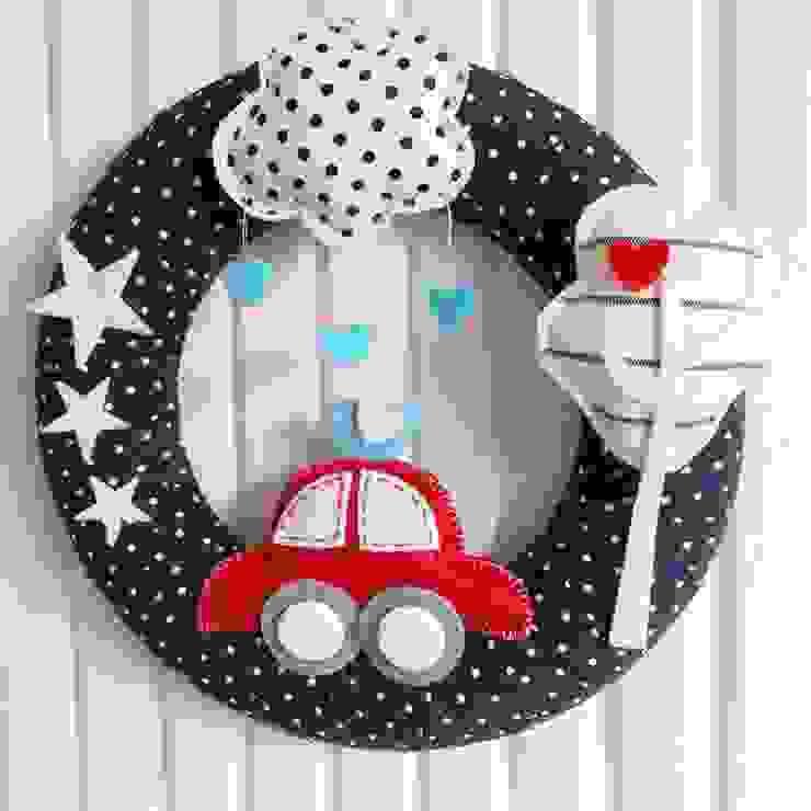Sesiber – Red Car, Tree and Cloud Baby Boy Foor Wreath: modern tarz , Modern