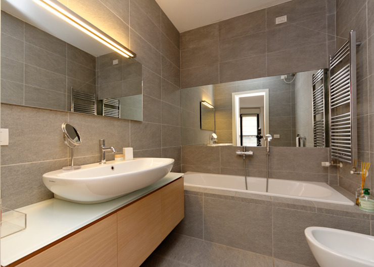 ห้องน้ำ โดย ROBERTA DANISI ARCHITETTO,