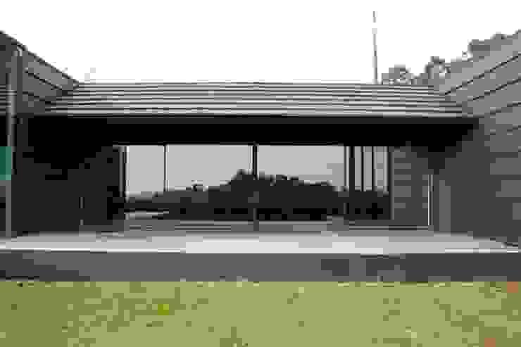 Maisons modernes par Alberto Craveiro, Arquitecto Moderne