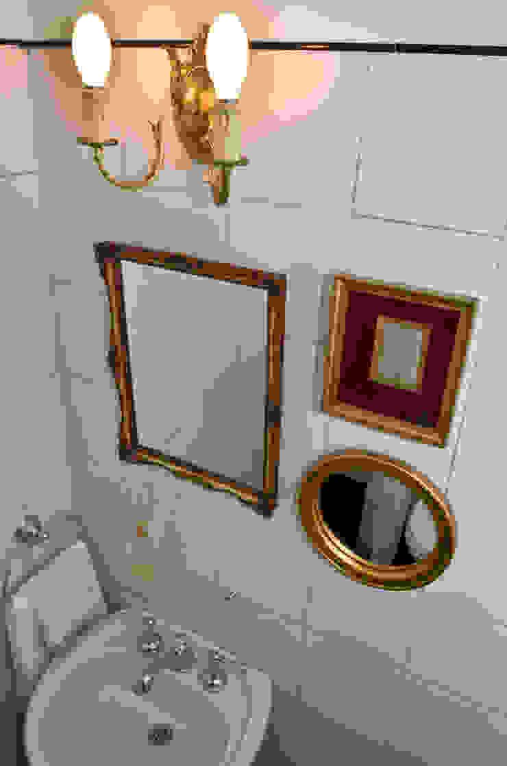 Baños de estilo moderno de GUTMAN+LEHRER ARQUITECTAS Moderno