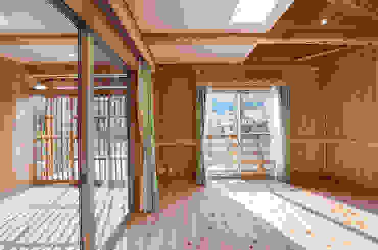 石井の住宅 オリジナルスタイルの 寝室 の 中飯賀業建築研究所 オリジナル